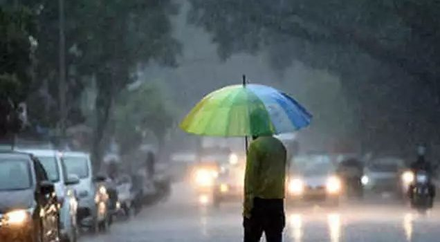 How to Care in Rainy Season In Hindi, बारिश में सेहत का ख़याल कैसे रखें,Barsaat me Health kaise thik rakhe,barish me apna dhyan kaise rakhe